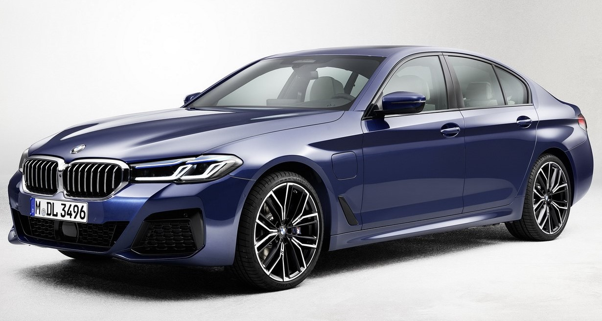 طرح BMW 520i فيس ليفت مستوردة موديل 2021 بمحرك 1.6 لتر تربو بسعر 1.048 مليون جنيه