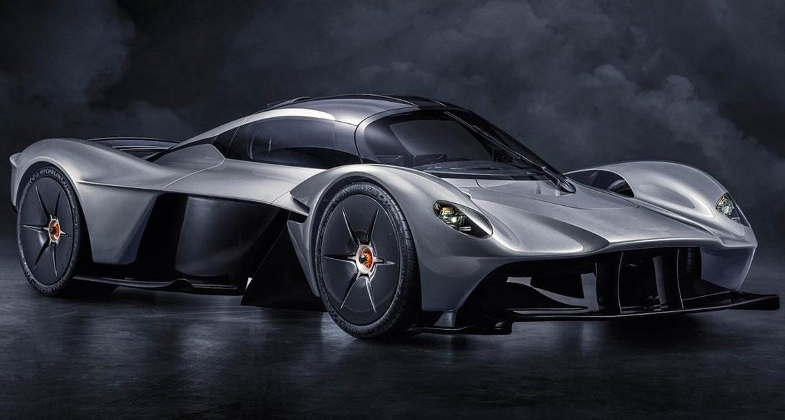 أستون مارتن تخطط لإطلاق سيارة رياضية كهربائية بحلول عام 2025