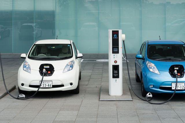 هل يؤثر توقف استيراد السيارات الكهربائية المستعملة على السوق المصري؟ خبراء يجيبون