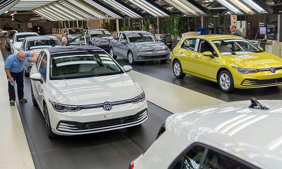 أزمة الرقاقات تدفع بمصنع VW فولفسبورغ لمستويات إنتاج عام 1958